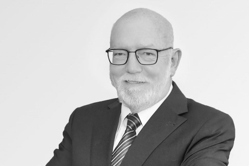 Агент по недвижимости Карлсруэ - Питер Уолвенд