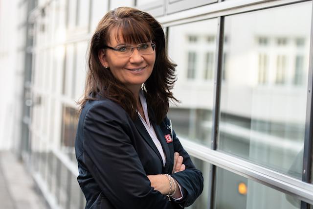 Агент по недвижимости Менезее - вне рынка недвижимости - г-жа Астрид Фелдер